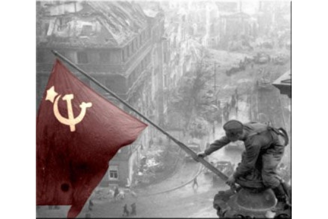 С великим праздником Победы!