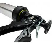 Закрытый пистолет Soudal с двумя колбами для герметиков и клеев в колбасах по 400/600 мл